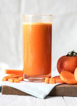 antioxidant-beverage-carrot-juice-1268475